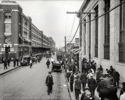 Shift Change: 1916