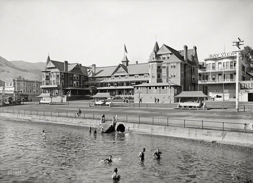 The Metropole: 1915