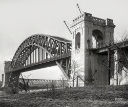 Hell Gate: 1915