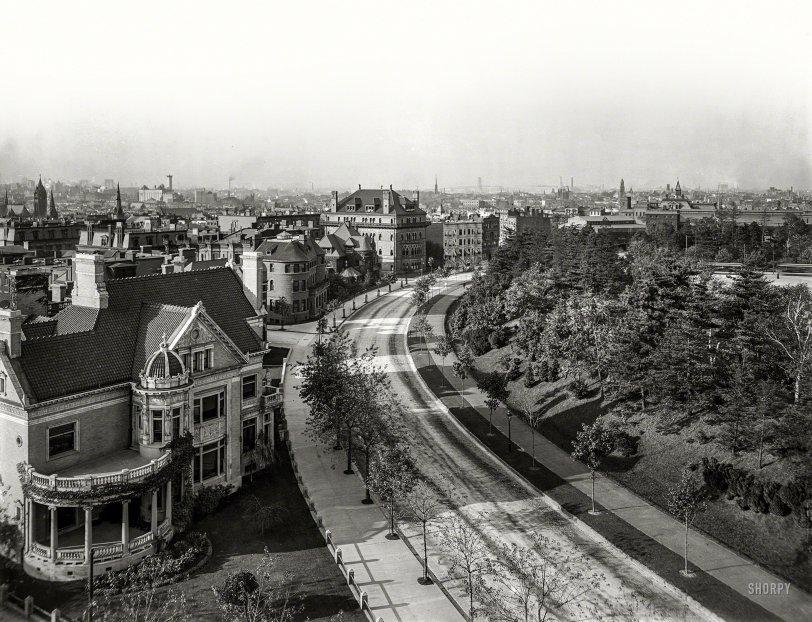The Circle: 1904
