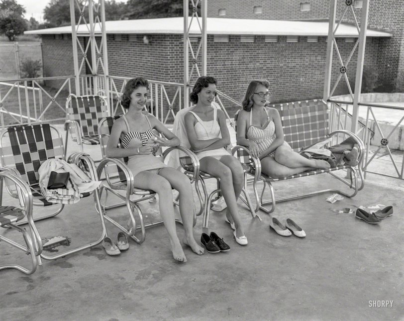 Ladies Who Lounge: 1958