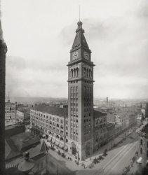 Daniels & Fisher: 1910