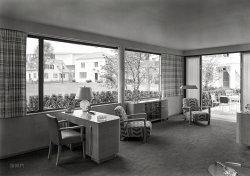 Glass House: 1939
