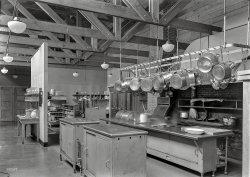 Kitchen Rapture: 1939
