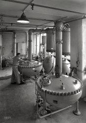 X-Pharma: 1943