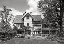 Guest House & Garden: 1945