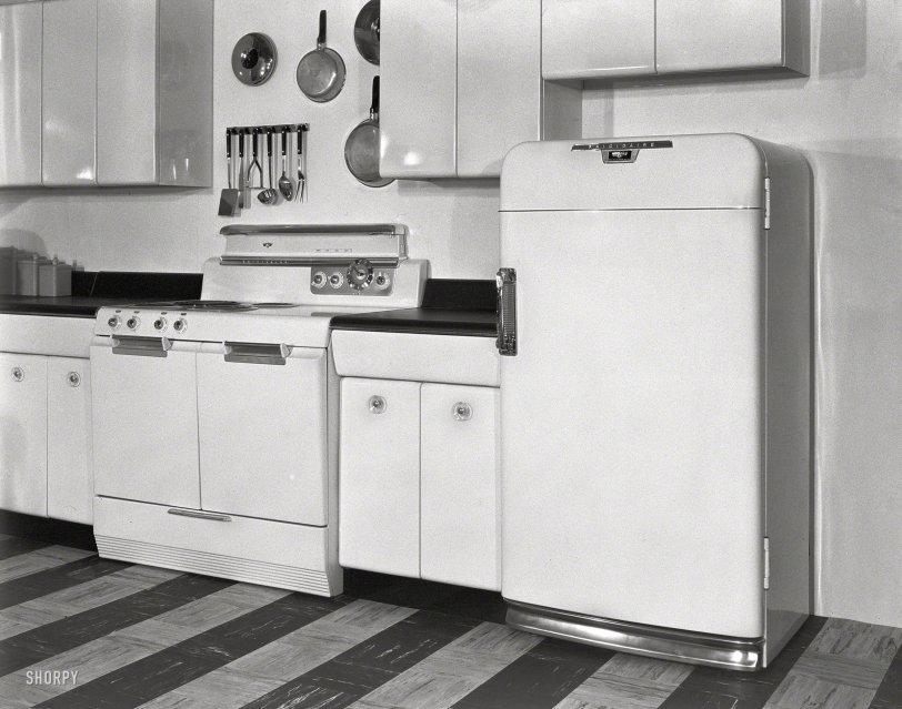 Frigidaire: 1951