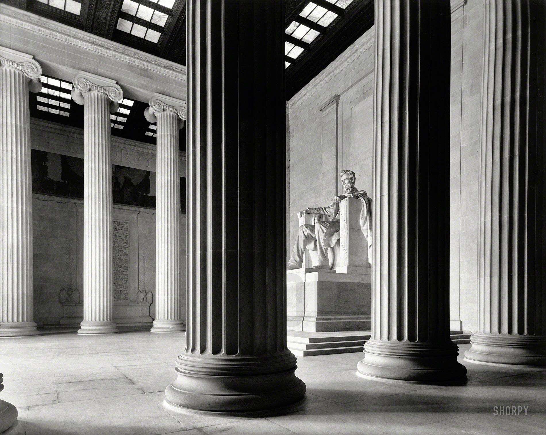 Shorpy historic picture archive monumental lincoln for Where to buy columns for house