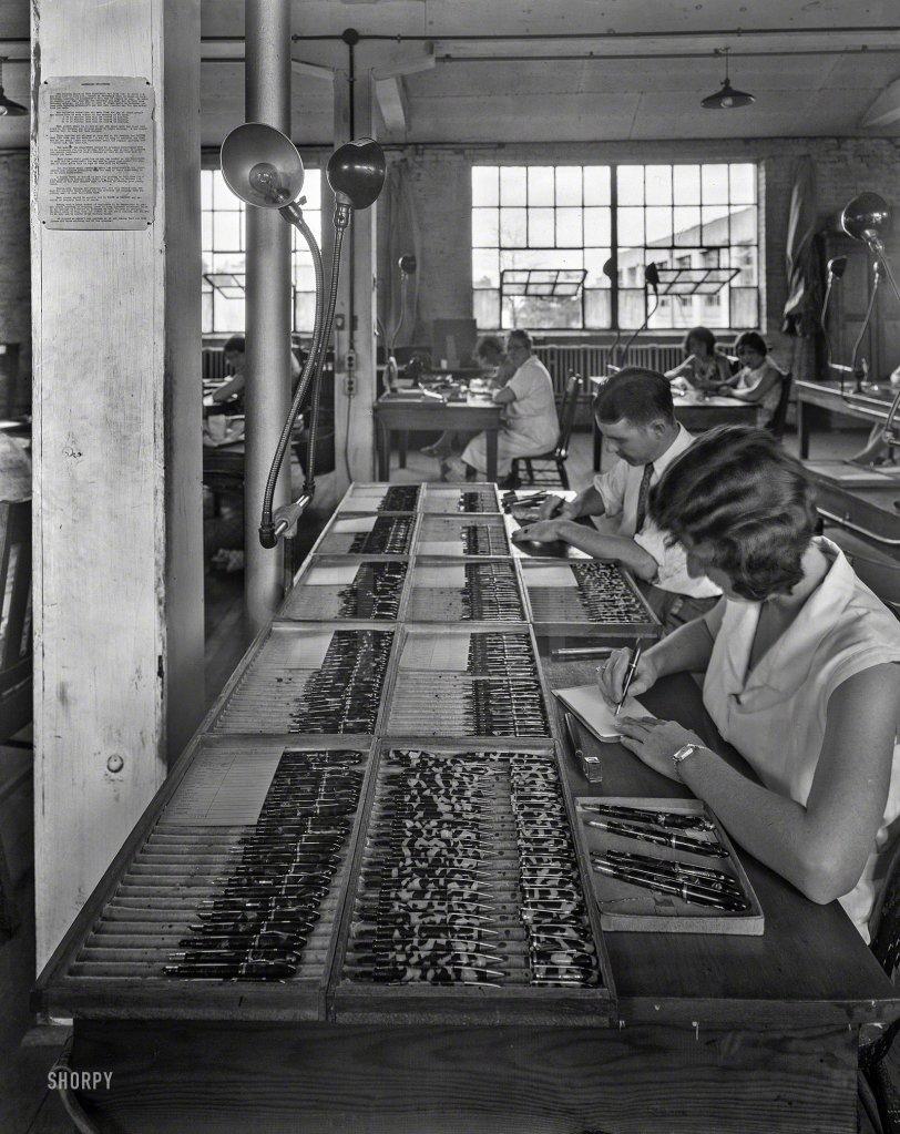 Fountain Pen Factory: 1935