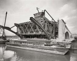 Memorial Bridge: 1931