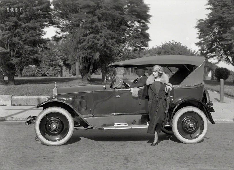 Dorts and Dolls: 1923