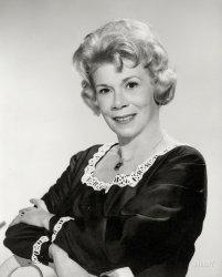 Queen Bea: 1963
