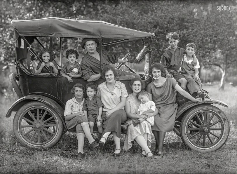 Time Travelers: 1920
