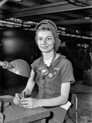 Eunice the Grinder: 1942
