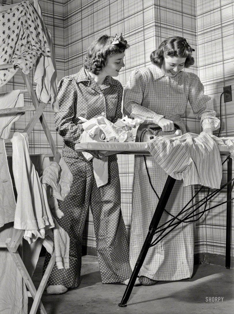 Iron Maidens: 1942