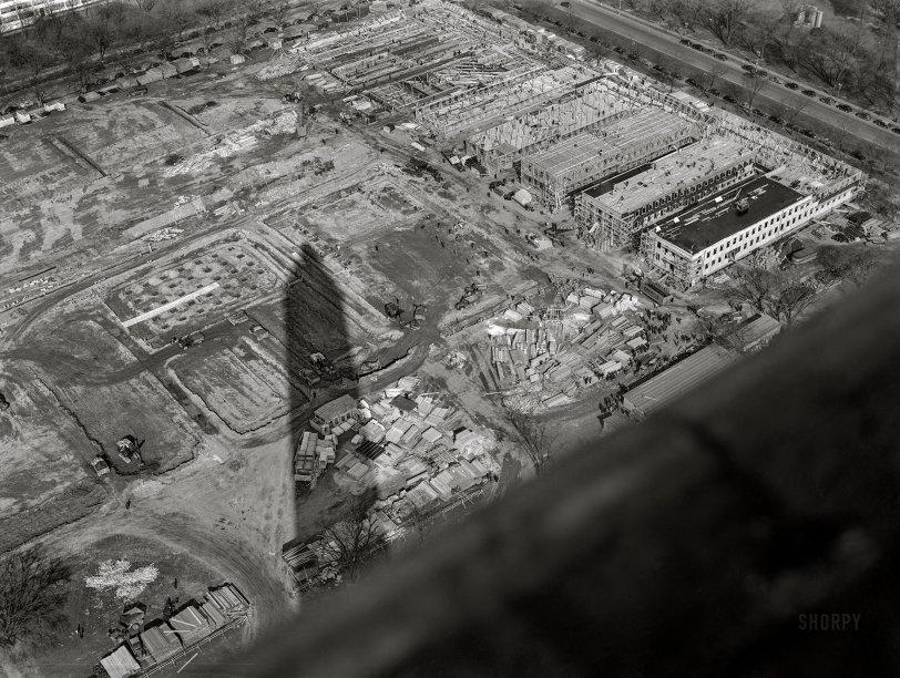 Washington's Shadow: 1942