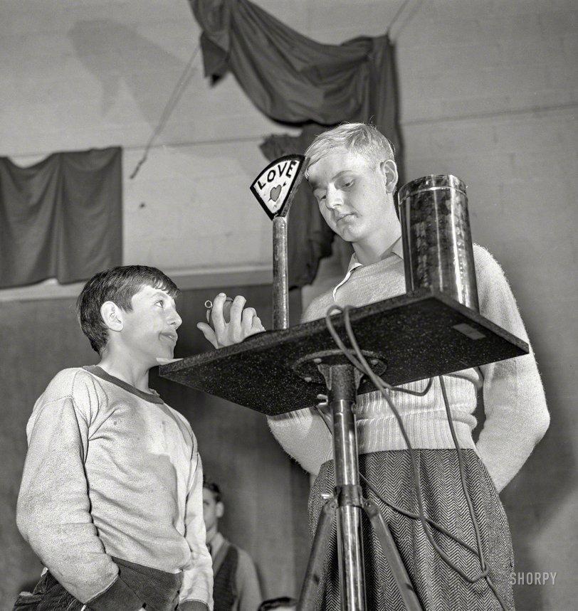 The L-O-V-E Quiz: 1941