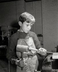 Grooving Wood: 1941