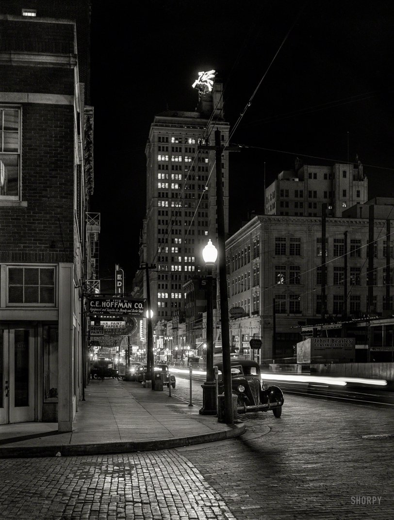 Dallas After Dark: 1942