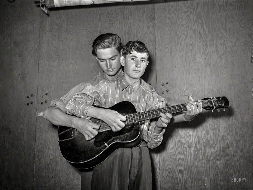 Weldon & Sleepy: 1942