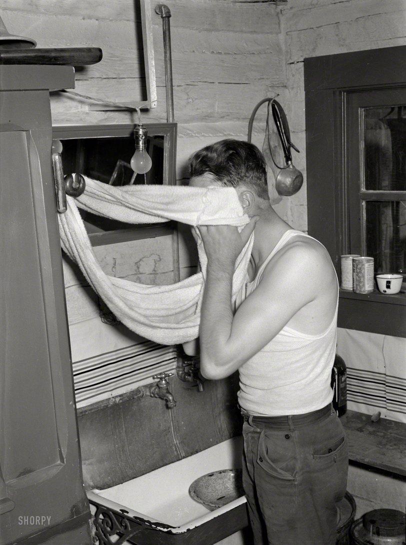 Washstand Cowboy: 1939