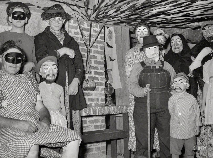 Bal Masque: 1939