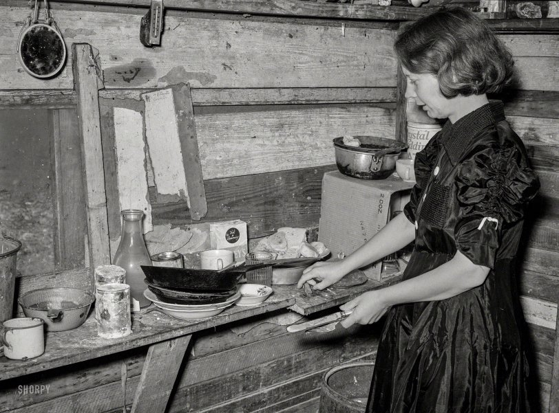 Suppertime: 1939
