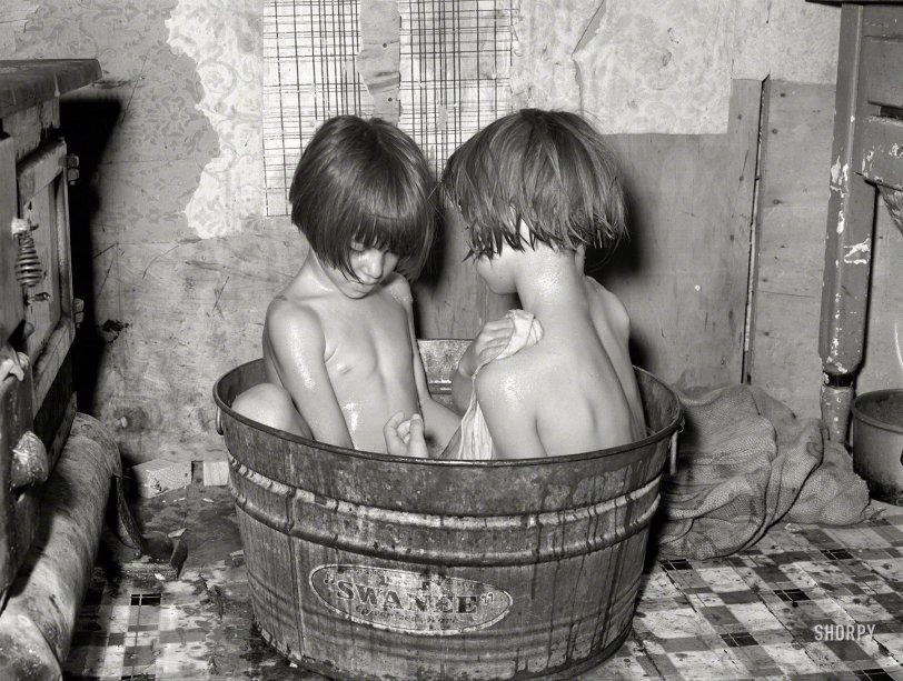 Tub Tots: 1939