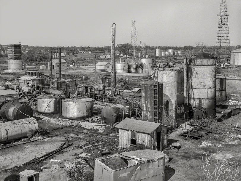Small Oil: 1939