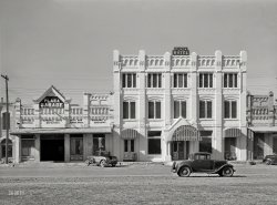 Plaza Garage: 1939