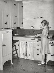 Peel Me a Carrot: 1940
