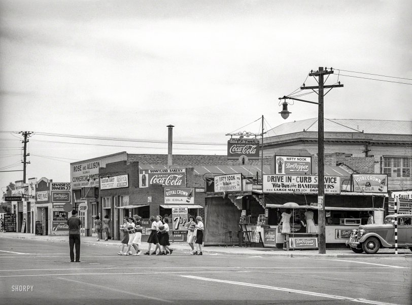Nifty Nook: 1940