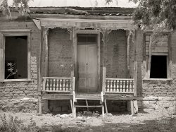 Dramatic Entrance: 1940