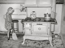 Kitchen Patrol: 1940