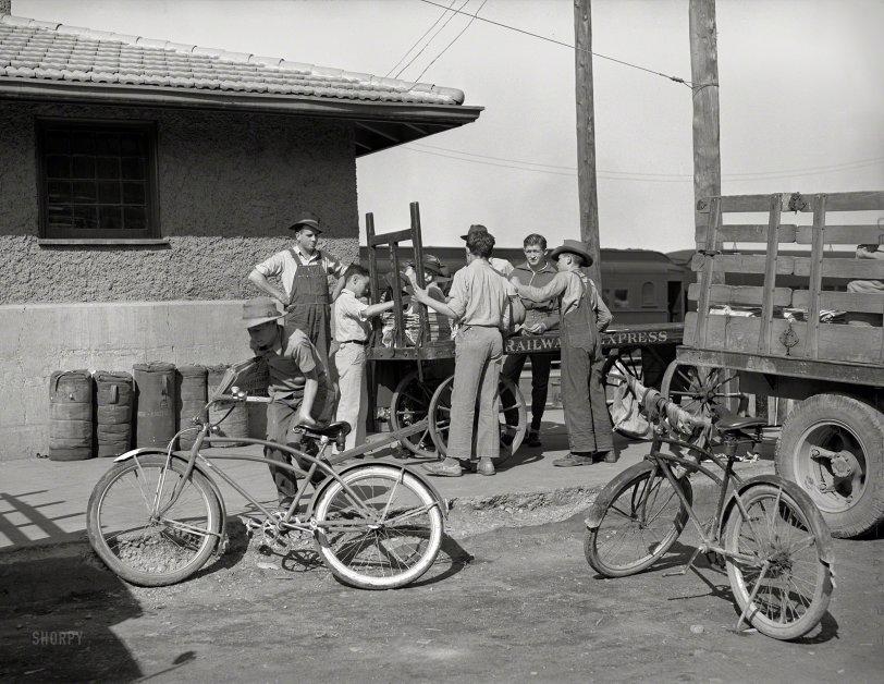 Montrose Newsies: 1940