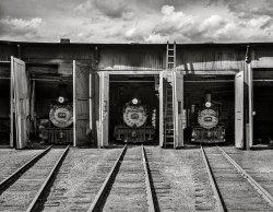 Garage à Trois: 1940