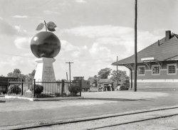 The Big Apple: 1936
