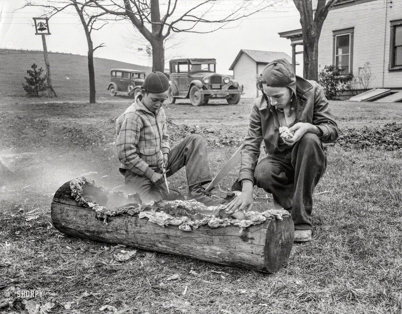 Smoking a Log: 1935