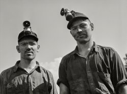 Lightheaded Bros: 1940