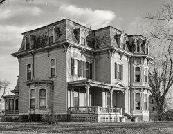 Mystic Manor: 1940