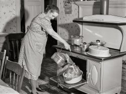 Basting the Bird: 1940