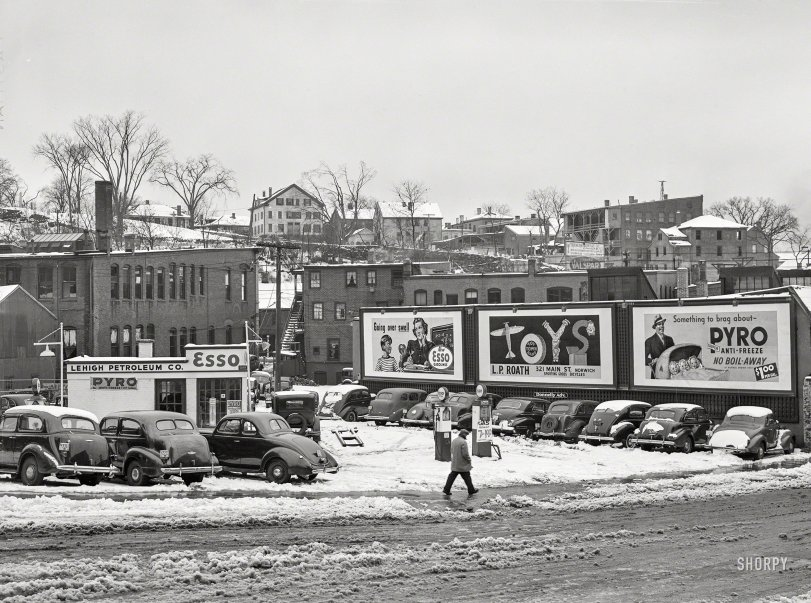 Esso in the Snow: 1940