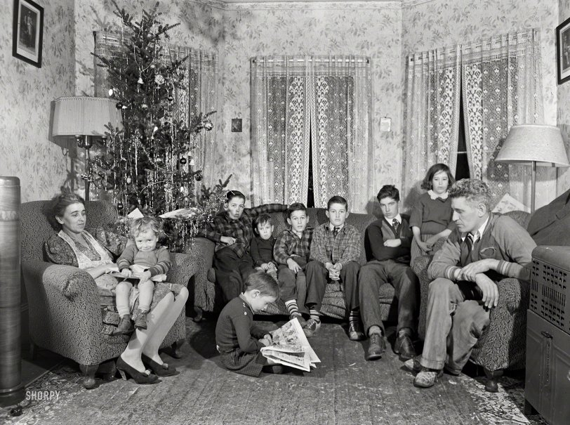 A Very Kelly Christmas: 1940