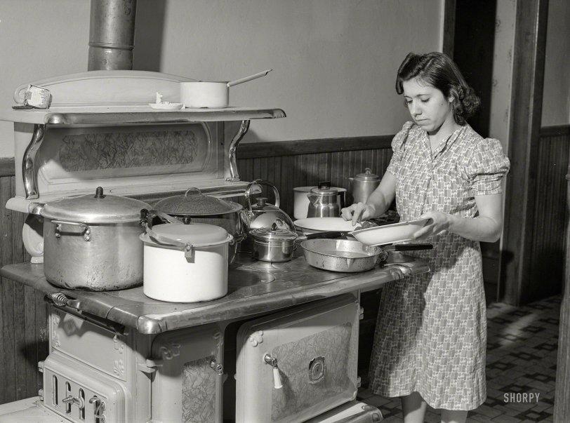 Lots of Pots: 1940