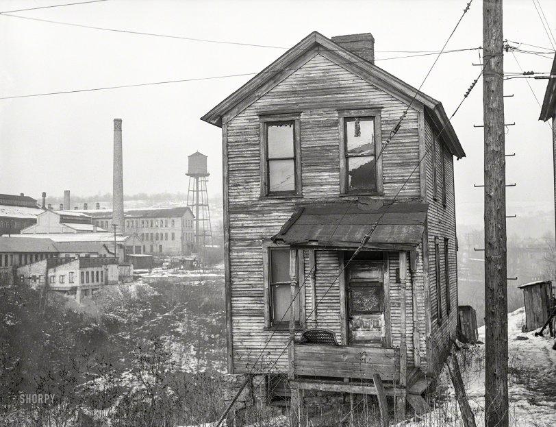 Glass House: 1941