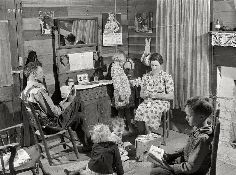 Tableau Vivant: 1941