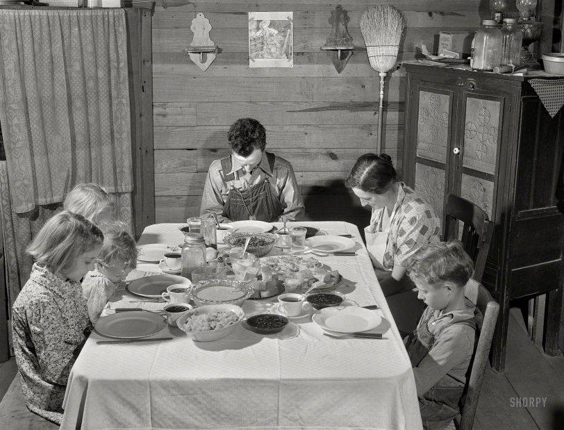 Thankful Smiths: 1941