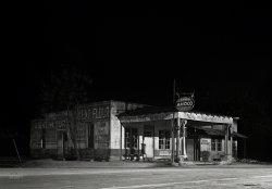 Dean's Garage: 1941