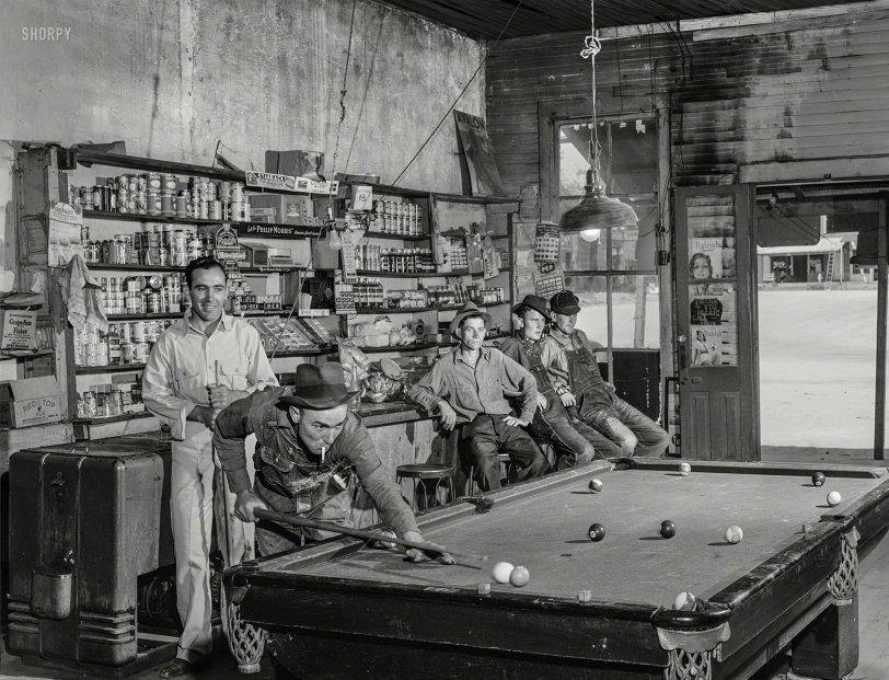 Community Pool: 1941