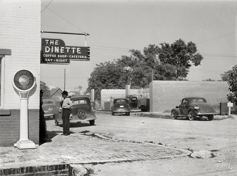 The Dinette: 1941